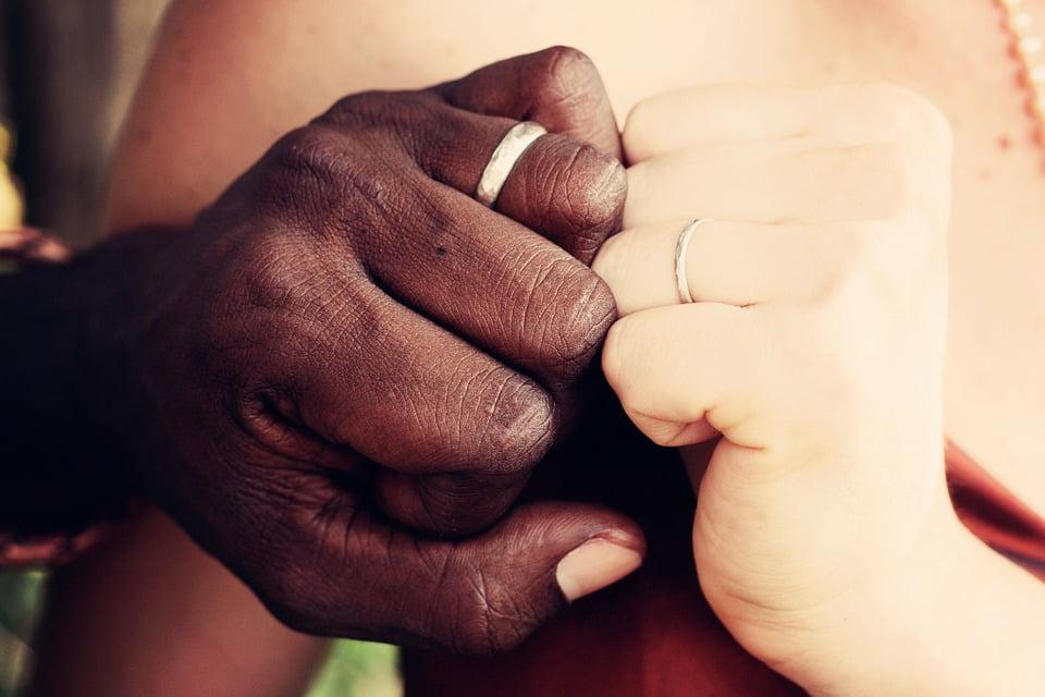 Cinco motivos para ter um site de casamento